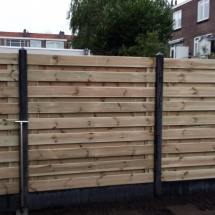 21 planks hout beton schutting horizontaal