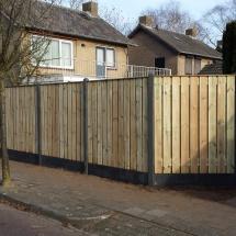 23 planks hout beton schutting antraciet met een afdeklijst