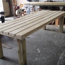 geimpregneerde tafel met balken van 5x15