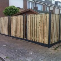 hout beton antraciet met maatwerk gekaderde trellieschermen